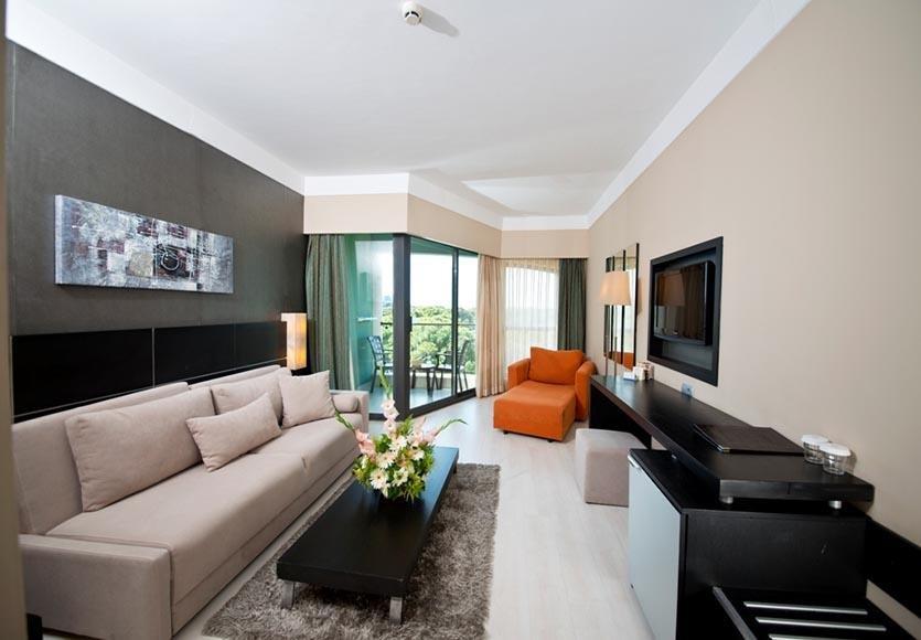 Limak Lara De Luxe Otel Resort *****